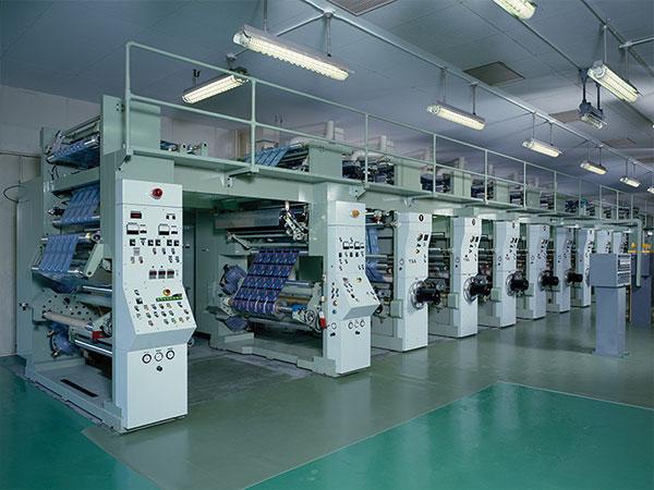 信和工業 グラビア8色印刷機 有効印刷巾 1100mm